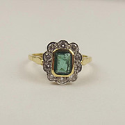 18ct Yellow Gold Emerald & Diamond Flower Head Ring UK Size N US 6 ¾