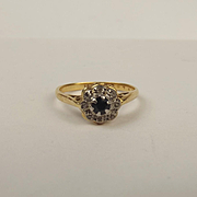 18ct Yellow Gold Sapphire & Diamond Flower Head Ring UK Size N+ US 6 ¾