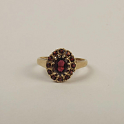 9ct Yellow Gold Garnet Flower Head Ring UK Size M+ US 6 ¼