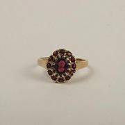 9ct Yellow Gold Garnet Flower Head Ring UK Size M+ US 6 ¼