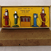 Boxed Dinky Toys Set No. 49 Petrol Pumps & Oil Bin Post-War Edition