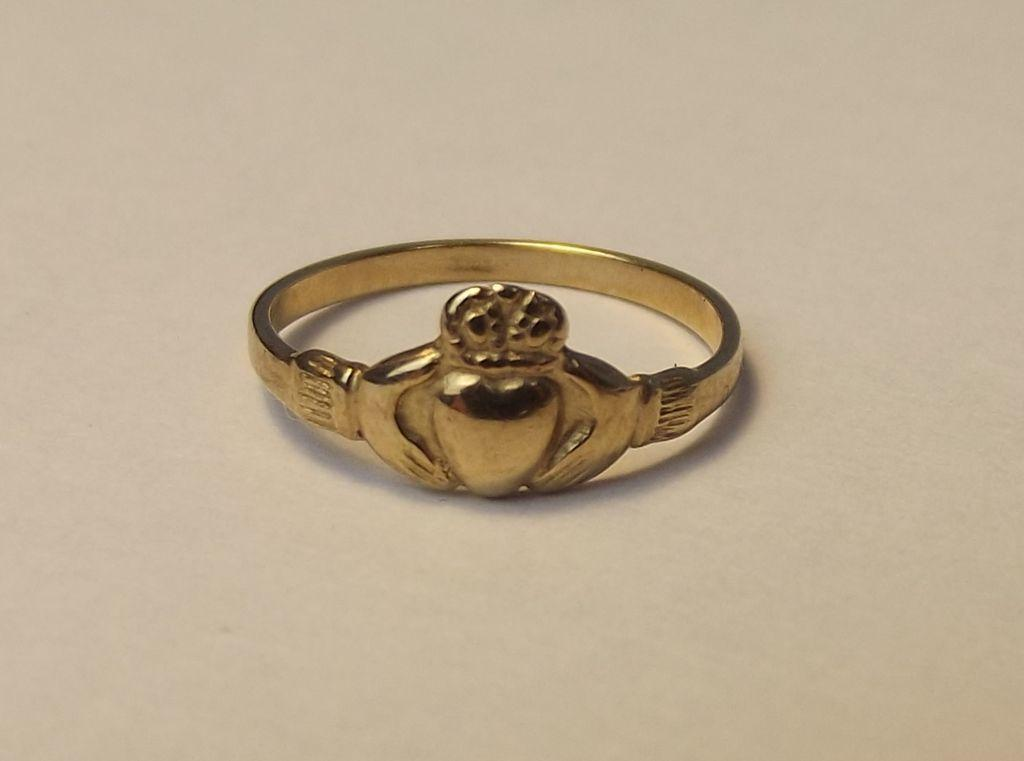 childs 9ct yellow gold claddagh ring uk size d us 2 from