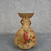 1903 Royal Worcester Blush Ivory Vase