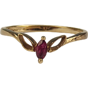 9ct Yellow Gold Ruby Ring UK Size M US 6 ¼