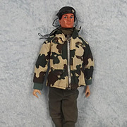 Action Man 3rd Version Parachute Regiment Uniform & Circa 1978 Eagle eyes Action Man