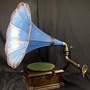 Circa 1906 – 1912 Pathéphone Modèle F Gramophone