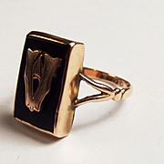 9ct Gold Enamel Ring UK Size O US 7 1/3