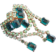Gorgeous Emerald Green w Peridot Rhinestone Brooch Dangles Exquisite Quality of Design