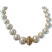 Classy RICHELIEU Pearl (faux) Necklace with Pretty Focal NICE Long 30 inch strand