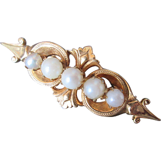 Beautiful CAPRI Vintage Bar Brooch with Pearls and Fine Details