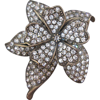 Exquisite HEIDI DAUS Flower Trembler Brooch Two Level Tier Pin w Spring Movement Vintage