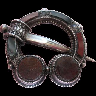 Antique Scottish Brooch Exquisite Details Quartz Stones a Fine Pin