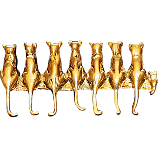 Vintage MFA Museum of Fine Arts Highly Polished Gold-Tone Pin/Brooch 7 Cats and a Kitten Sitting in a Row