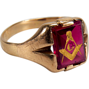 Vintage Men's Synthetic Ruby 10K Yellow Gold Mason Ring