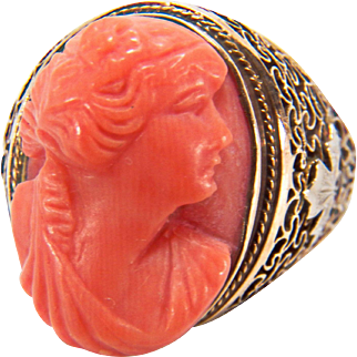 Art Deco Salmon Coral Cameo Filigree 10K Two Toned Yellow and White Gold Ring