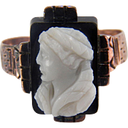 Antique Victorian Hardstone Cameo 10K Yellow Gold Ring