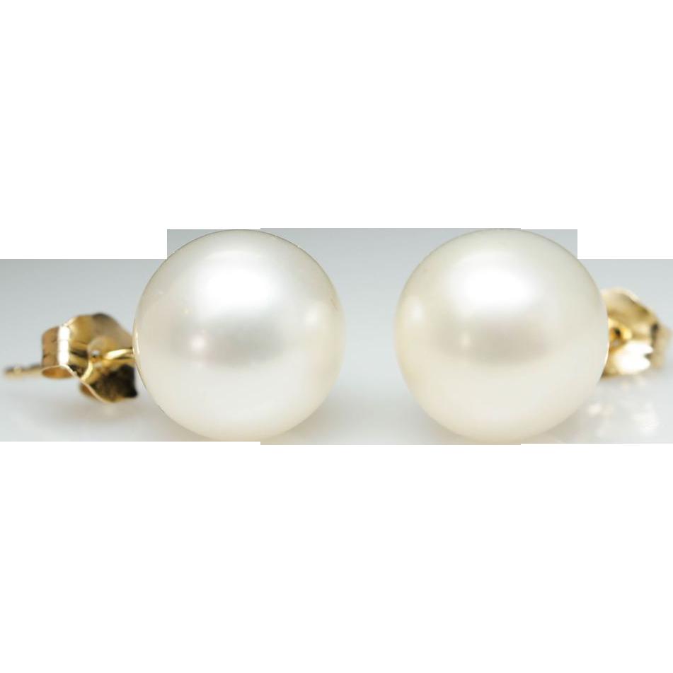 cultured pearl stud earrings in 14k yellow gold from jkjc