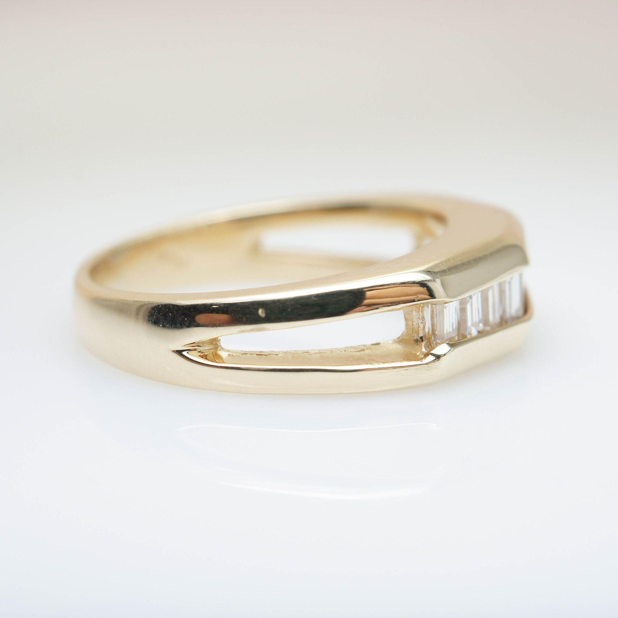Vintage Diamond & Gold Band Baguette Cut Diamond Ring Vintage Mens