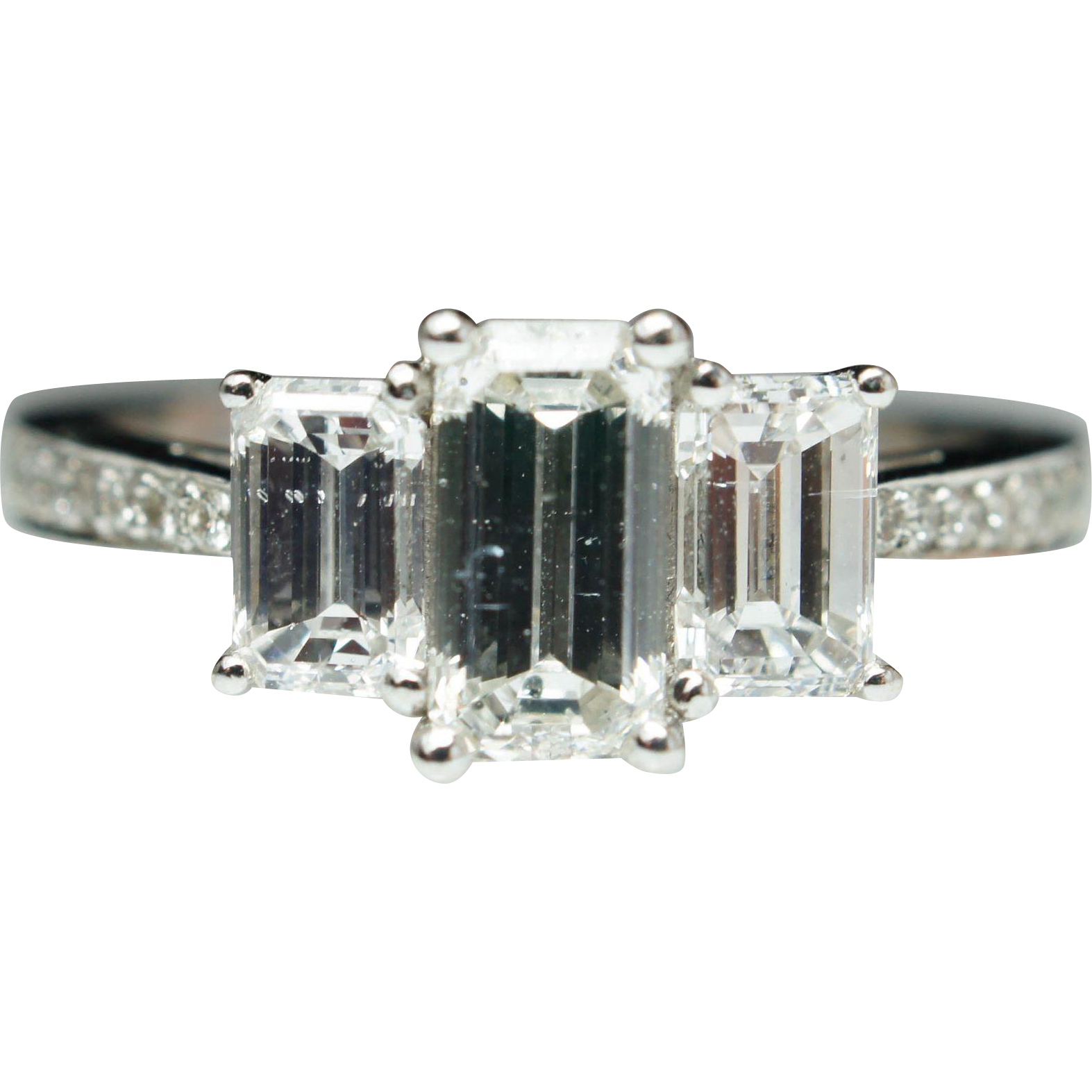 Beautiful Vintage 3 Stone 1.66ctw Emerald Cut Diamond Engagement Ring