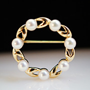 Cultured Pearl Circle Brooch- Stunning!