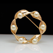 Vintage 14k Yellow Gold Pearl Circle Brooch