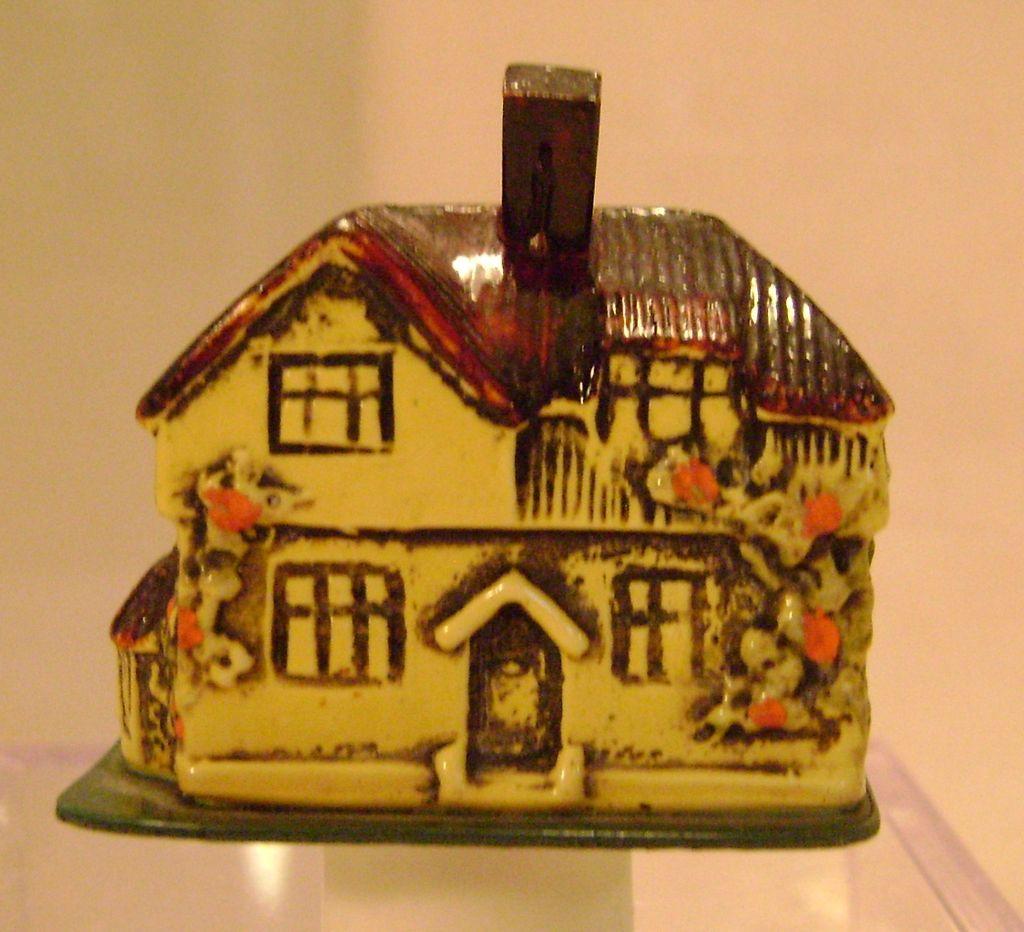 Vintage English Cottage Figural Tape Measure
