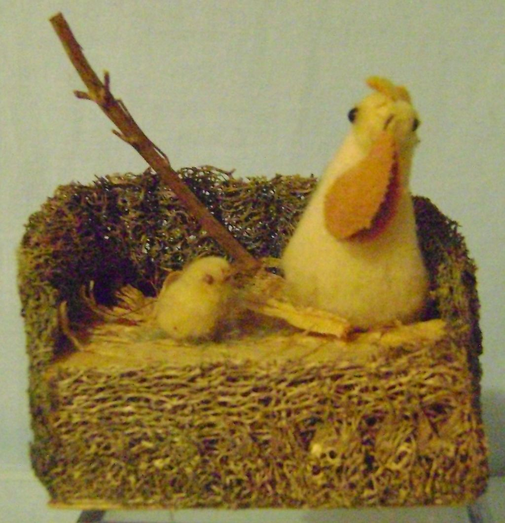 Vintage Easter Hen and Chick Candy Container