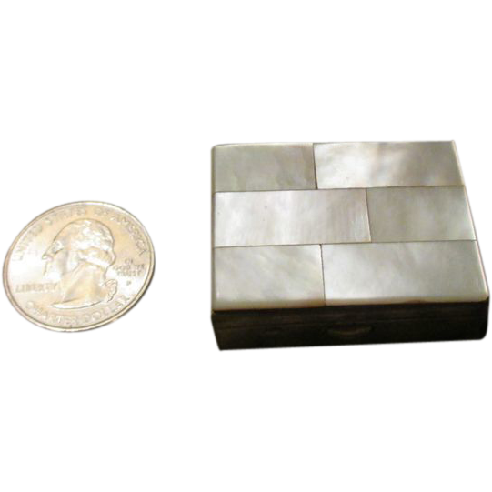 Vintage Miniature Trinket Box for your French Fashion Doll