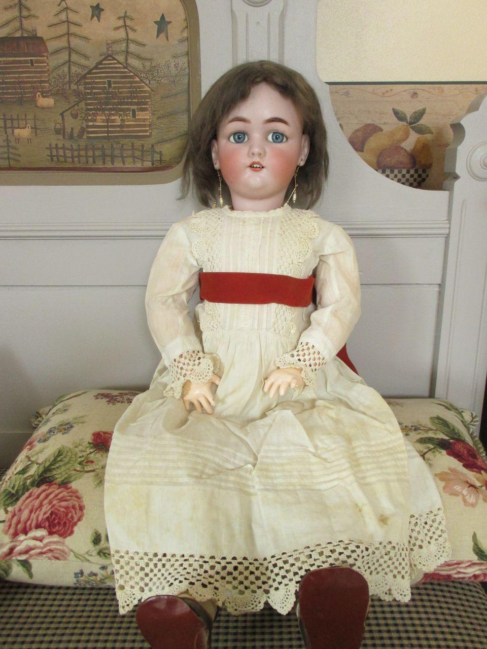 Lovely Antique S&H Jutta in Darling Dress - Sweet look
