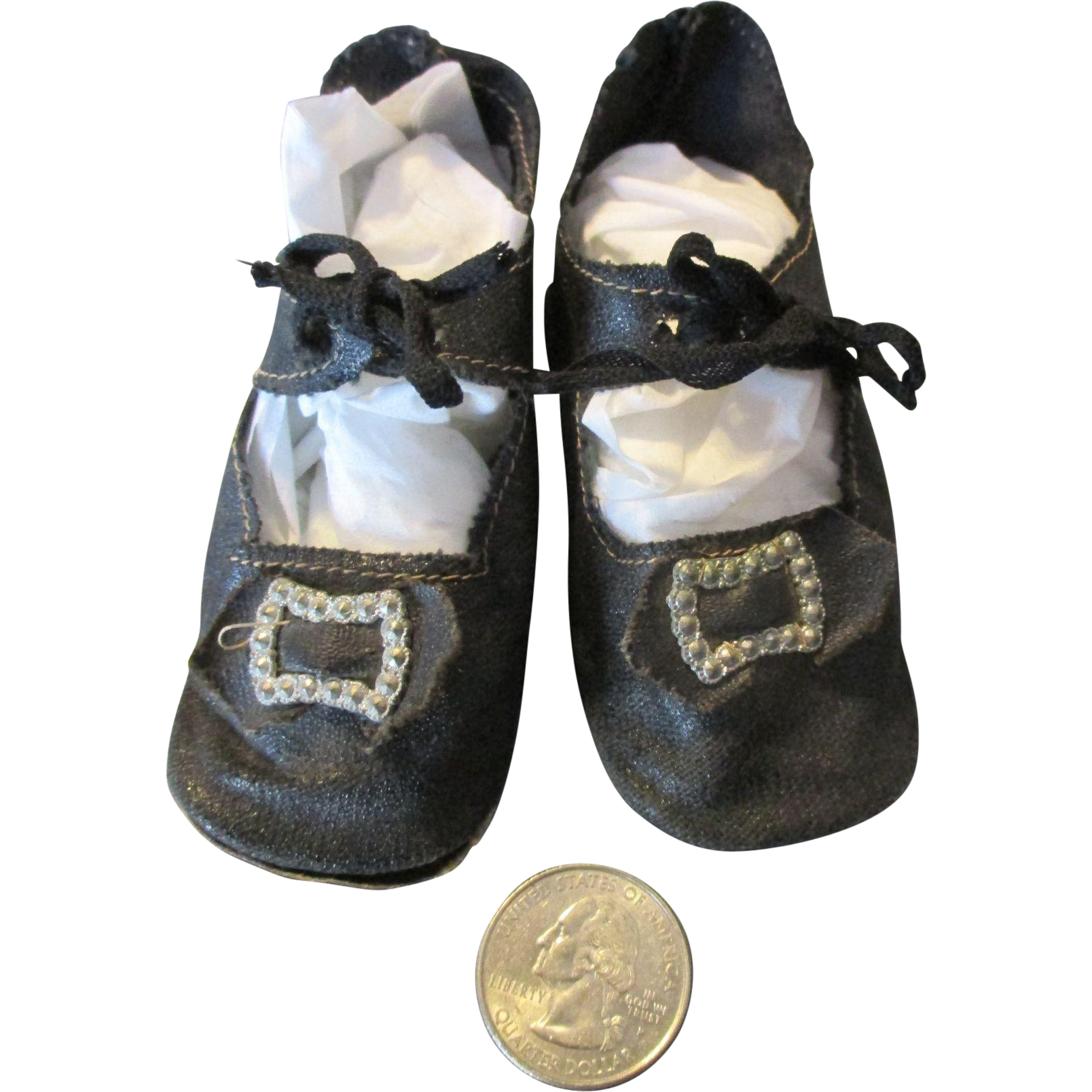 black cloth shoes for your larger doll from