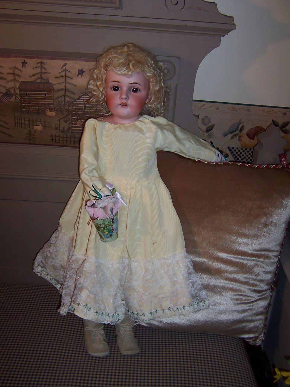 "Beautiful 28"" Kestner 154 in Stunning Dress"