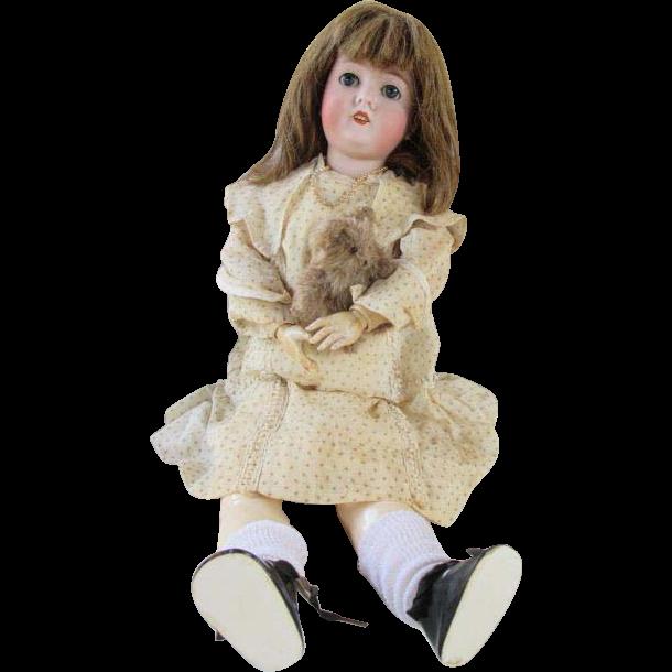 Pretty Queen Louise Doll