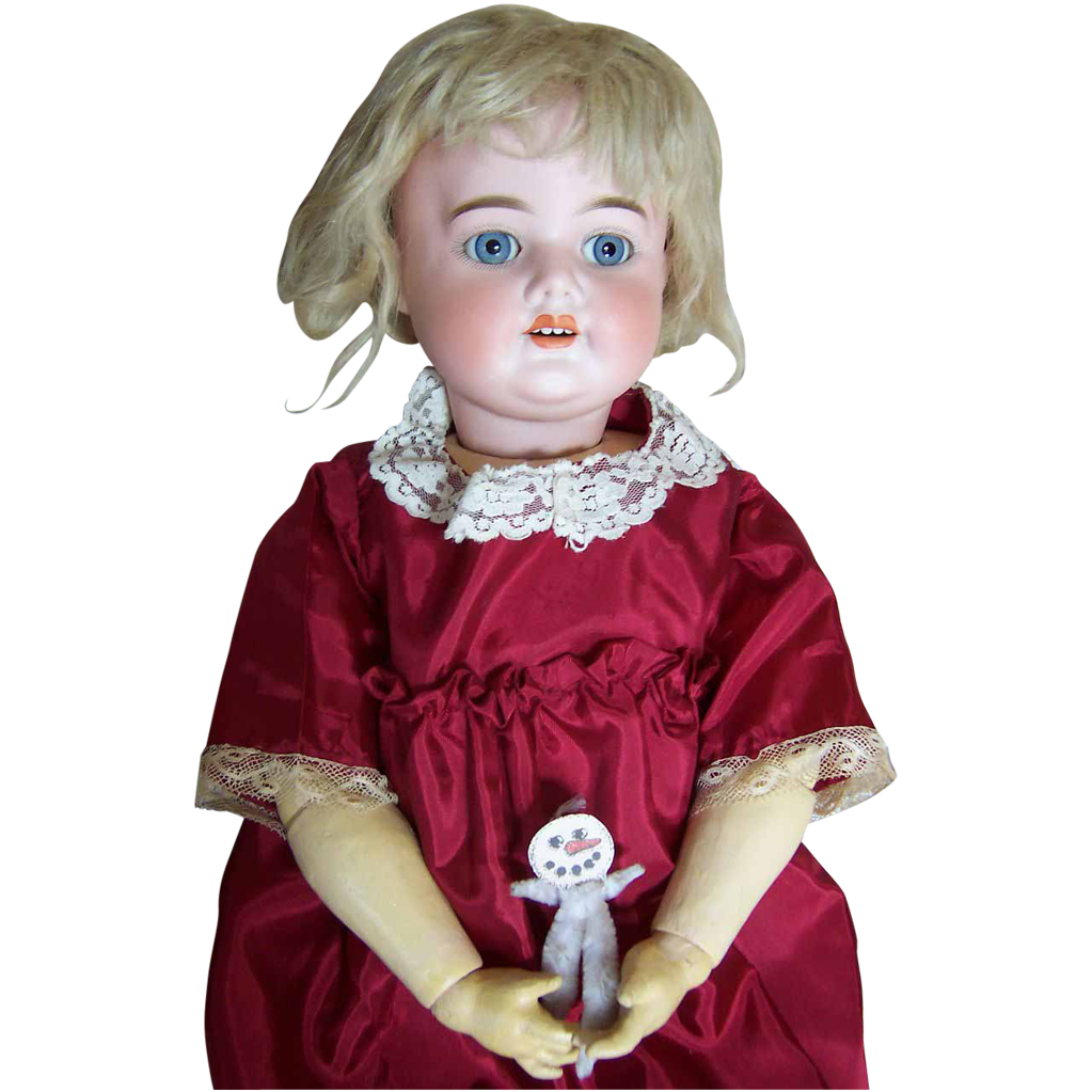 "26"" Antique S&H 5000 Doll - Unique Look & Pretty Features"