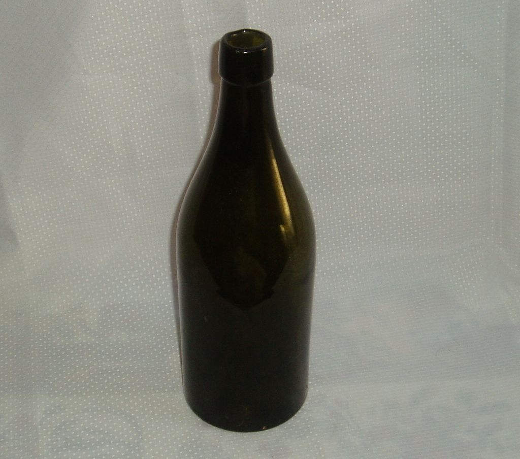 Dark green lip applied turn mould bottle