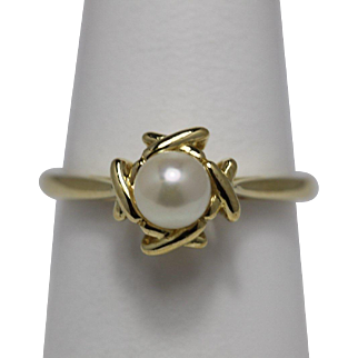 Vintage Tiffany and Co Pearl Ring - 18K
