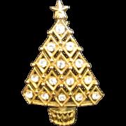 Lovely Rhinestone Christmas Tree Pin