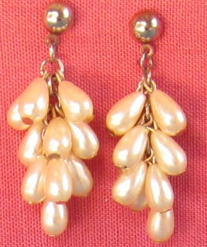 Gorgeous Vintage Faux Cream Pearl Drop Dangle Pierced Earrings