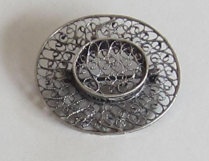 Vintage Silver Tone Metal Hat Brooch
