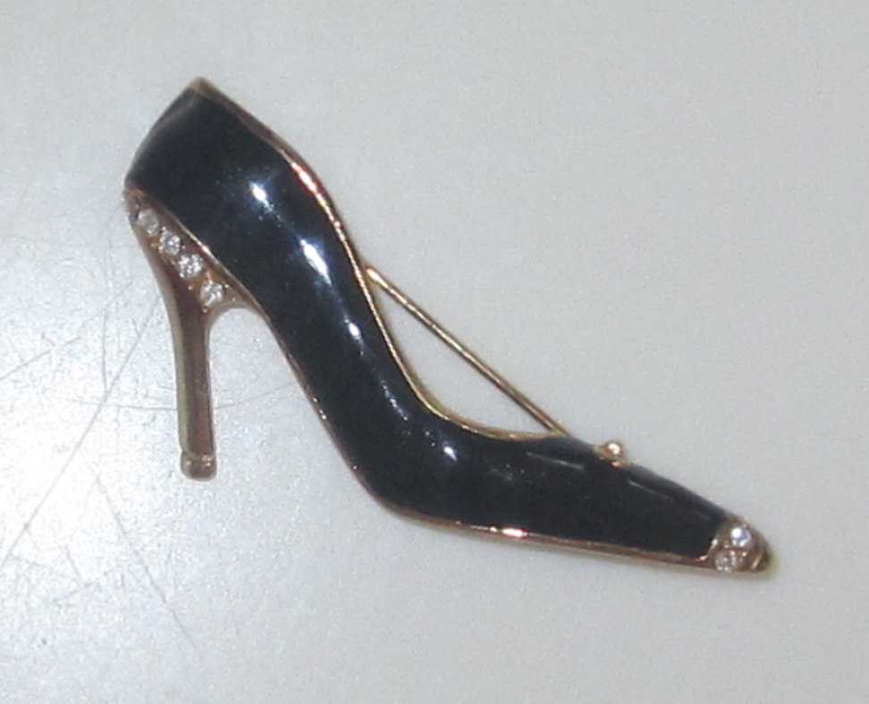 Vintage Darling Shoe Brooch