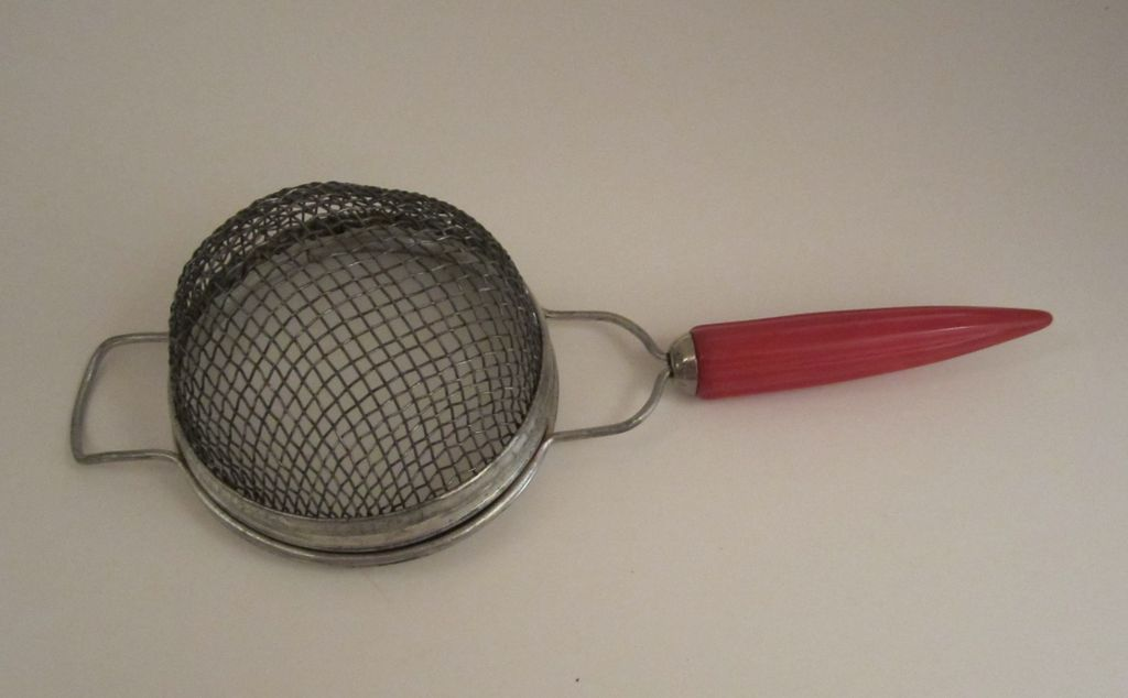 Androck Red Bakelite Strainer with Bullet Handle Vintage Kitchen Utensil
