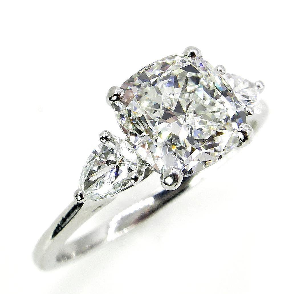 colorless 303ct vintage cushion cut diamond 3 stone