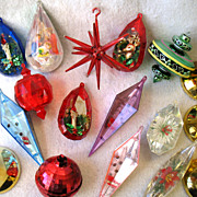 17  Vintage Plastic Christmas Ornaments Atomic Sputnik Diorama Bell Disco Ball
