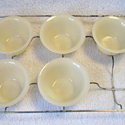 5 Fire King Ivory Custard Cups &  Wire Baking Rack Holder Oven Glass