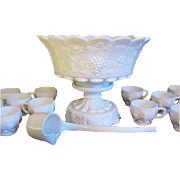 Westmoreland Paneled Grape Milk Glass 15 Piece Punch Bowl Set White Elegant