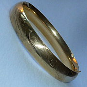 Edwardian 14K Yellow Gold Engraved Bangle Bracelet
