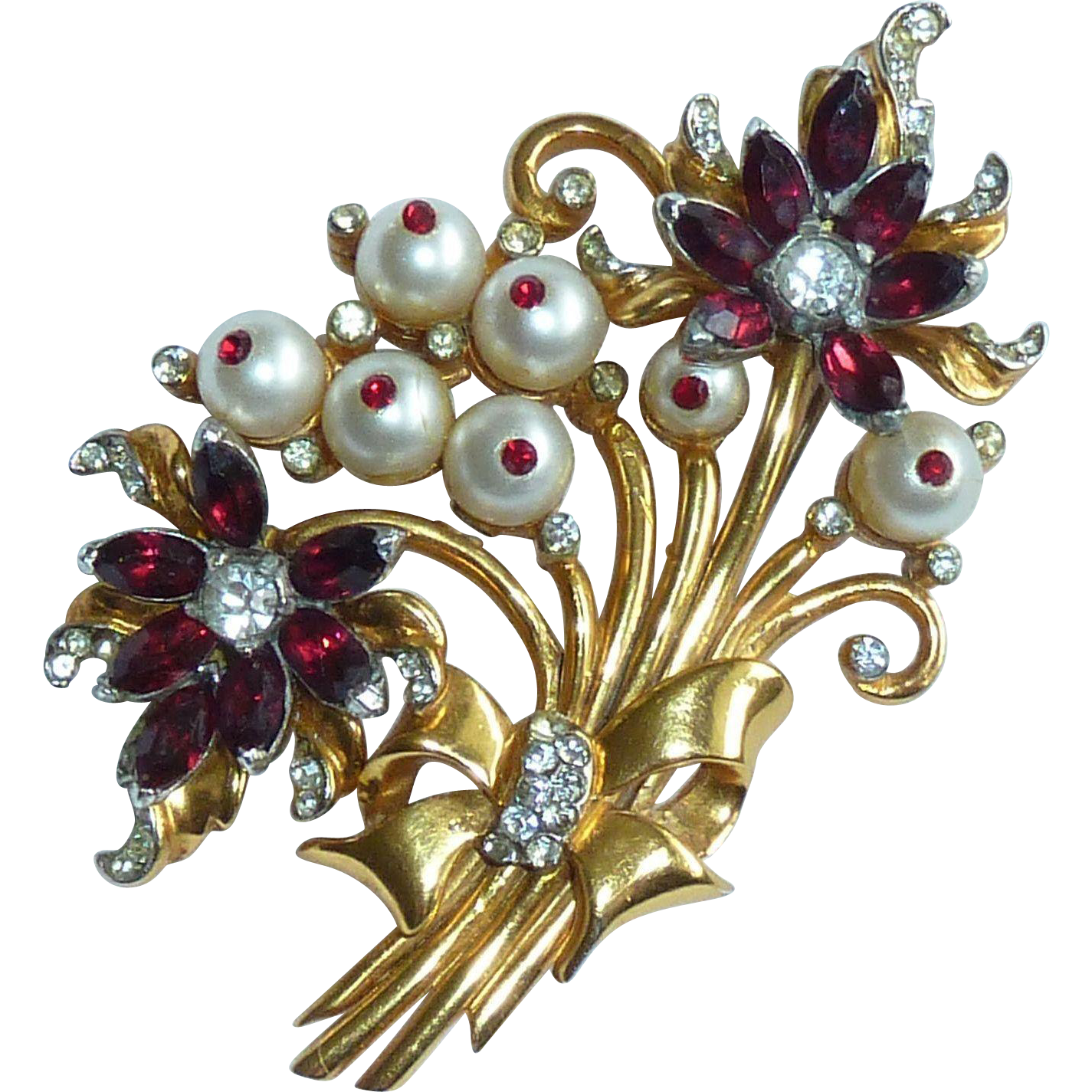 Coro craft gold tone pearl bead and red rhinestone brooch for Pearl arts and crafts closing