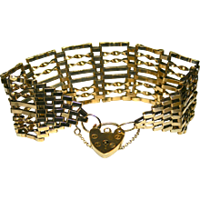 Ladies 9K Yellow Gold Vintage Bracelet with Heart Lock