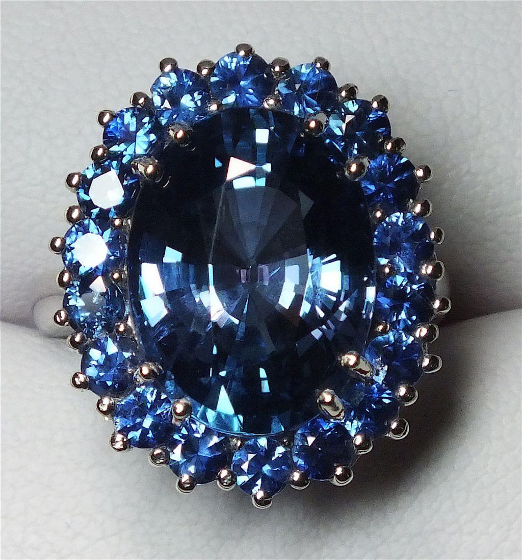 Beautiful Tanzanite: Beautiful Estate 10.74 Carat Tanzanite And Sapphire Ring