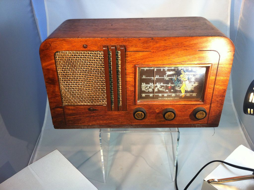 Zentih Table Top Radio Sterling Sage Ruby Lane