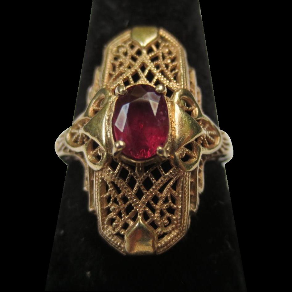 Art Deco Ruby 14k Yellow gold Filigree ring Vintage